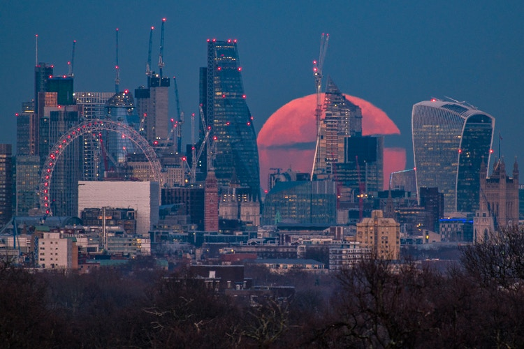 London x supermoon x superzoom - London Viewpoints