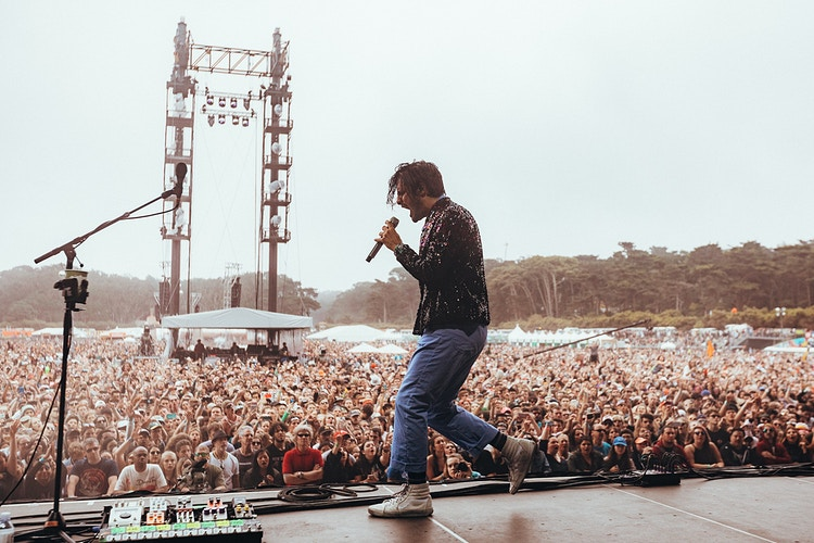 Young The Giant - MJB