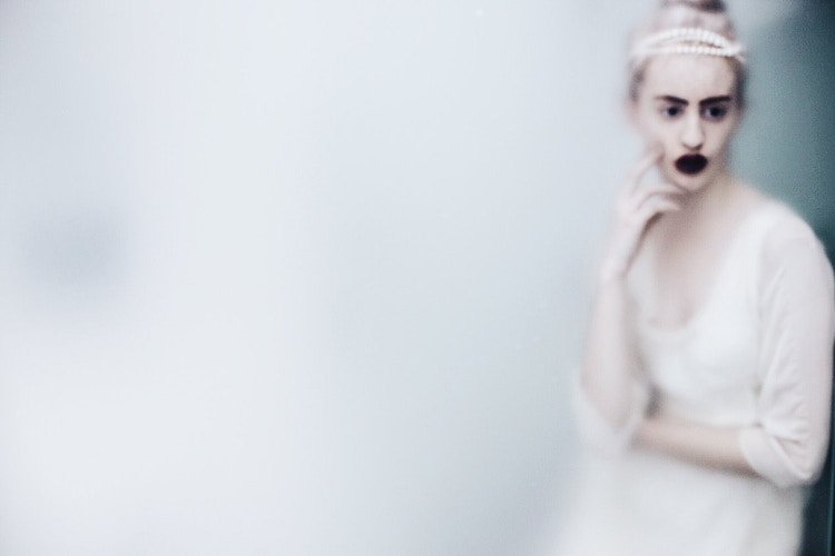 The White Queen - MEGHAN MARSHALL