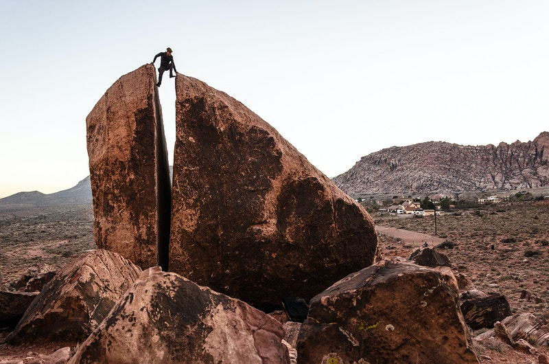 Red Rock Bouldering - Matthew Tangeman | Adventure Photography