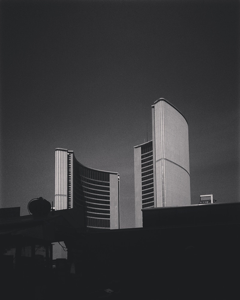 Toronto City Hall - Ardean Peters | Toronto Photographer | Portraits, People & Light