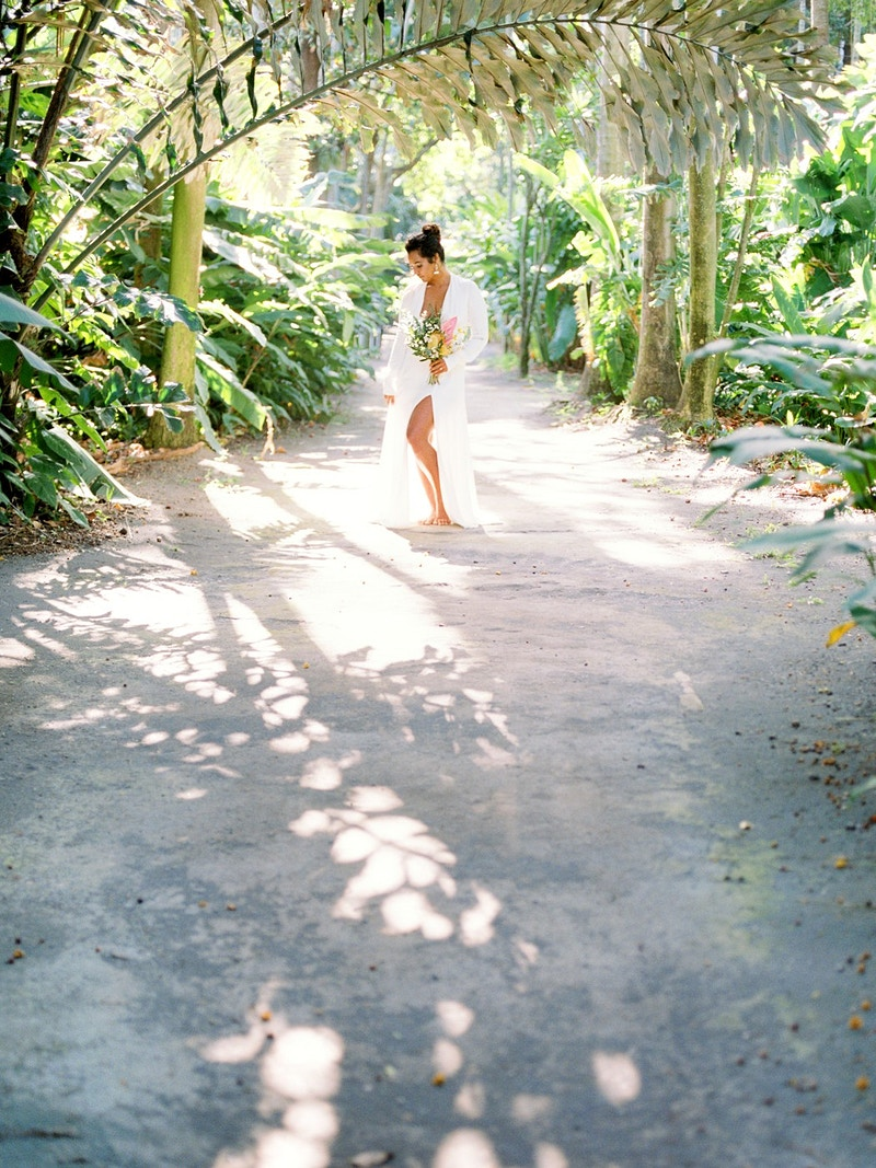 Hawaiian Garden Bridal Inspiration Foster Botanical Garden - Mist of Morning Photography