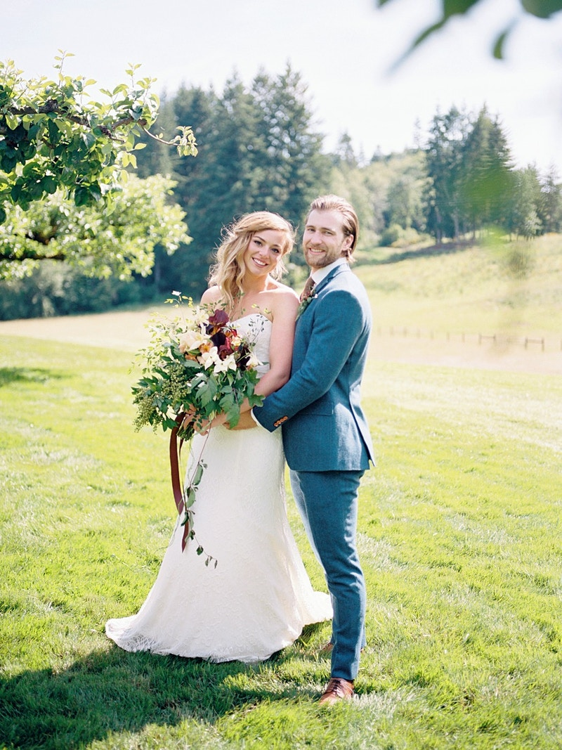 Alice And Duncan The Orchard At Sunshine Hill - Mist of Morning Photography