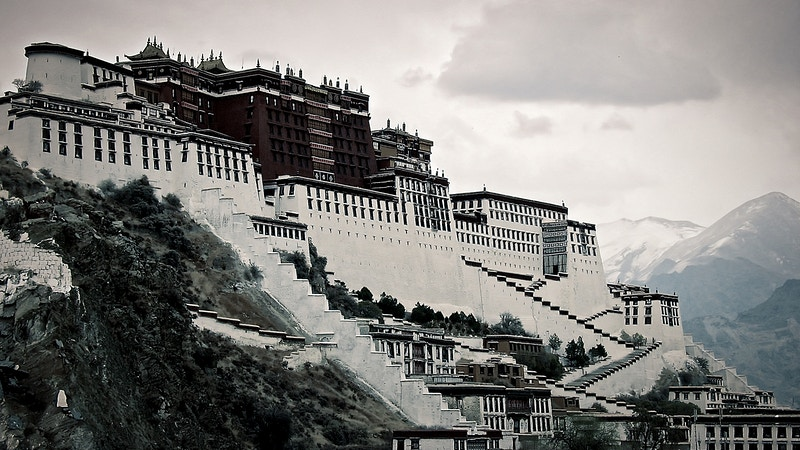 On The Roof Of The World Lhasa And Beyond - New Light Dreams | PHOTOGRAPHY BY CRAIG C LEWIS