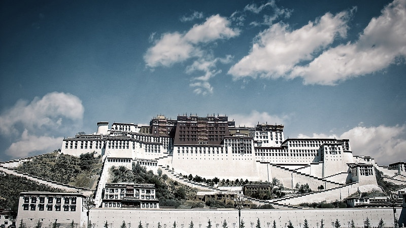 On The Roof Of The World Lhasa And Beyond - New Light Dreams