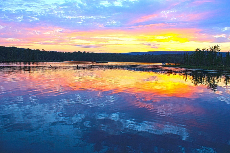 SUNSET OVER LAKE ARIEL - NICHOLAS LIMITED EDITION