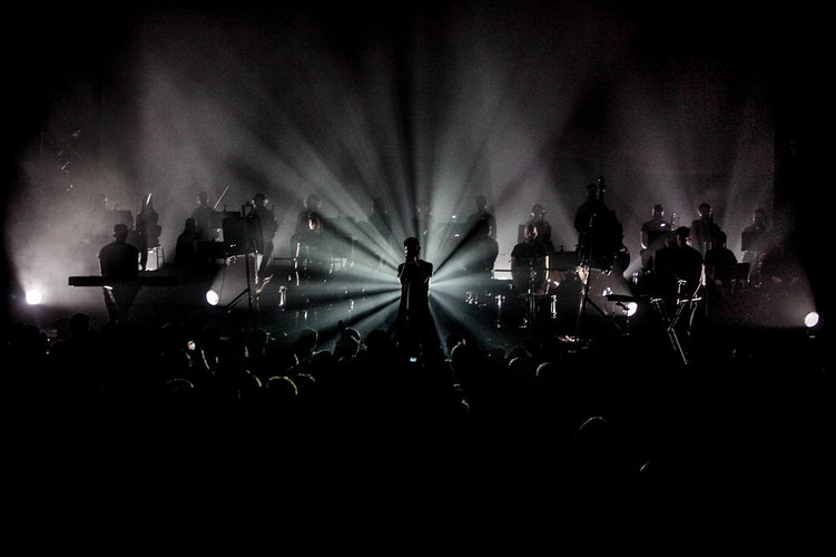 Woodkid in his last concert at the Cirque Royal in Brussels in 2013 - Pablo Garrigós