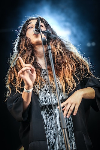 Intergalactic lovers during his show at the Cactus Festival 2014 in Brugge - Pablo Garrigós
