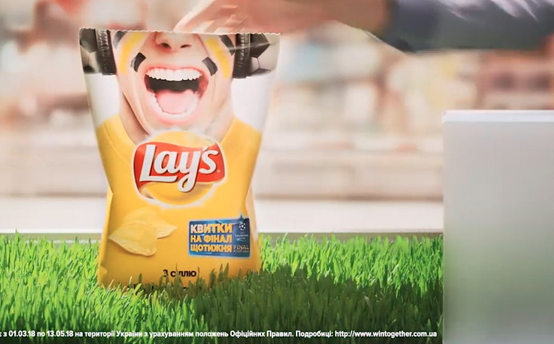 Pepsi + Lays UE final tickets TVC - Sergiy Rud & Juliya Malanuk :: Table-top photography
