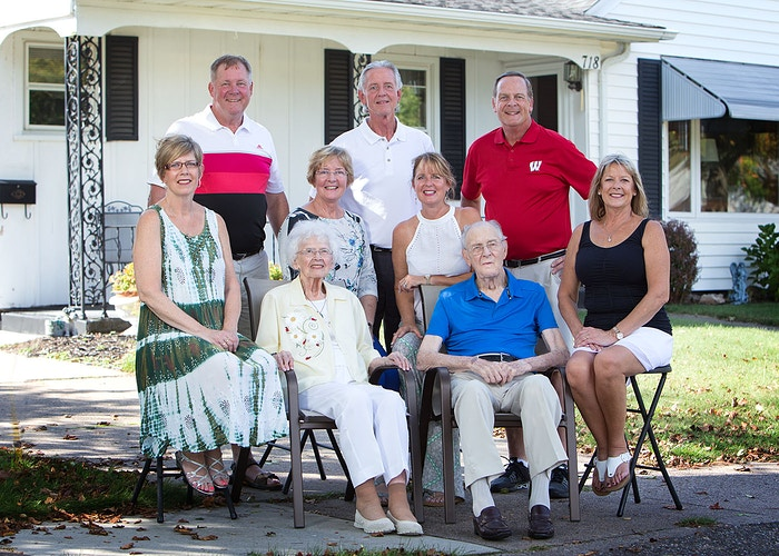 Location Family Gatherings - Portraits by Tiffany