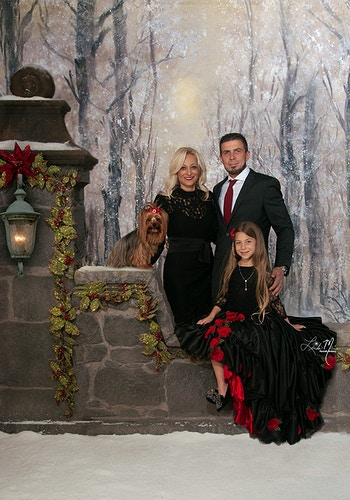 Yuletide Greetings Gallery - Portrait Artistry by Linda Marie   Newborn, Children & Family Photography