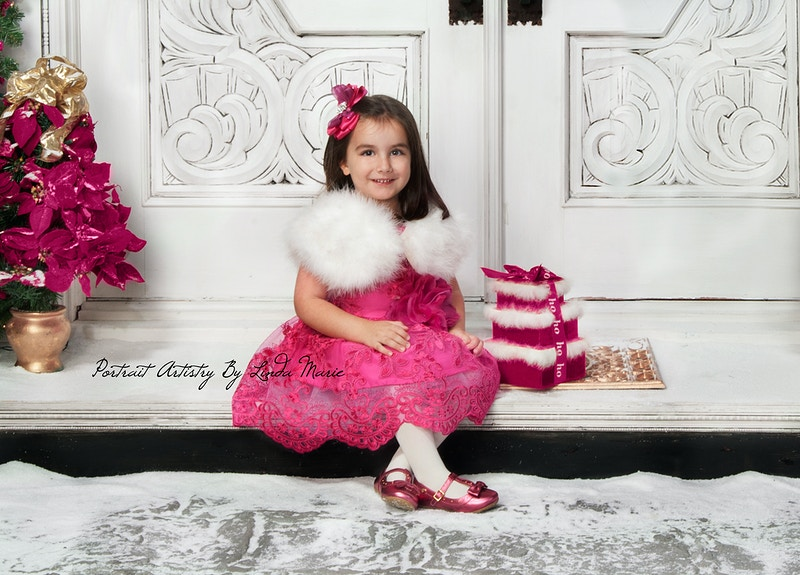 Holiday Door - Portrait Artistry by Linda Marie | Newborn, Children & Family Photography