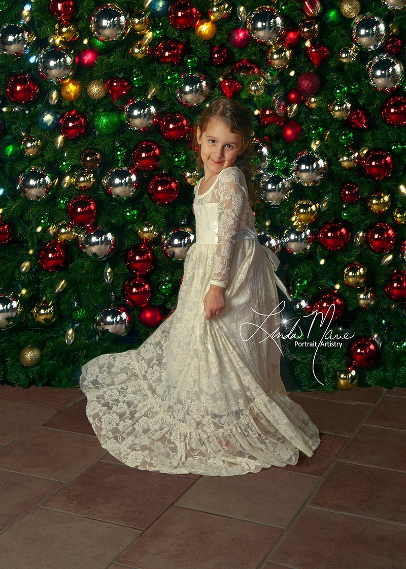 Holiday Wall - Portrait Artistry by Linda Marie | Newborn, Children & Family Photography