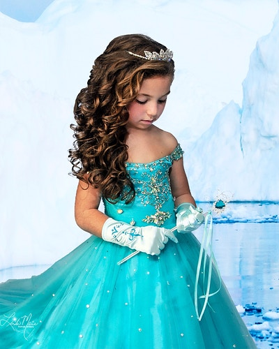 Frozen Digital - Portrait Artistry by Linda Marie | Newborn, Children & Family Photography