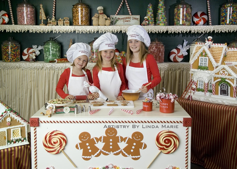 Gingerbread Bakery - Portrait Artistry by Linda Marie   Newborn, Children & Family Photography