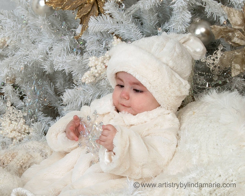 White Christmas - Portrait Artistry by Linda Marie | Newborn, Children & Family Photography