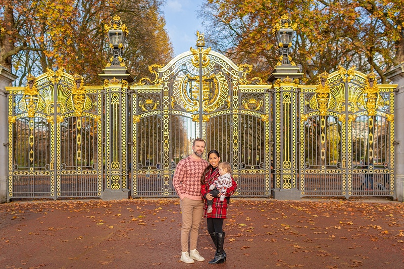The Snelling Family Buckingham Palace And St Jamess Park London Thanksgiving Vacation - Rajesh Taylor | Mayfair & St James's of London Corporate and Family Photographer