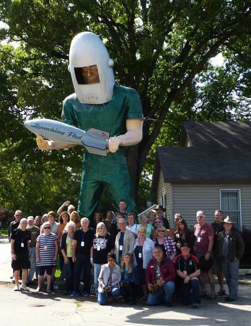 2012 Tin Can Caravan - Group Photo 1 - Roots on the Rails