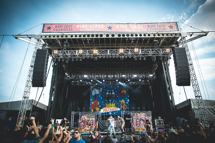 Neck Deep at Riot Fest - Sasha Danielle Photography
