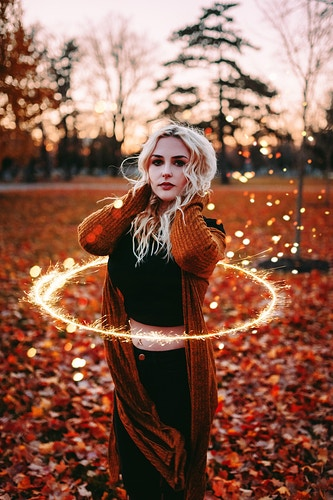 Golden sparkling ring sunset portrait - Creative Portrait Photographer :: Portland, Maine - Savannah Daras