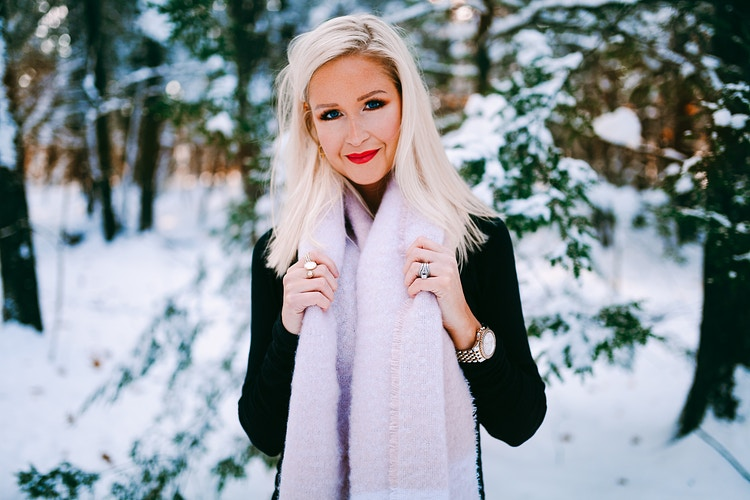 Winter woodsy lifestyle - Creative Portrait Photographer :: Portland, Maine - Savannah Daras