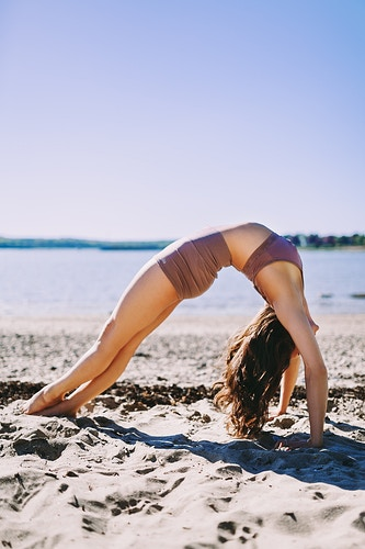 Beach yoga, Maine - Creative Portrait Photographer :: Portland, Maine - Savannah Daras