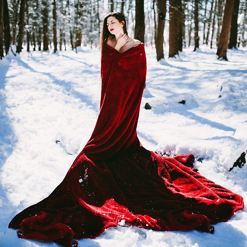 Winter queen photoshoot - Creative Portrait Photographer :: Portland, Maine - Savannah Daras