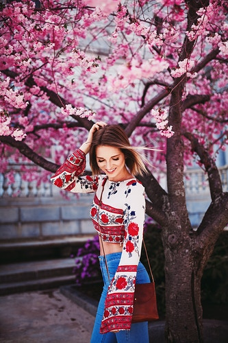 Spring Blossoms - Lifestyle Photographer Savannah Daras - Portland, Maine - Creative Portrait Photographer :: Portland, Maine - Savannah Daras