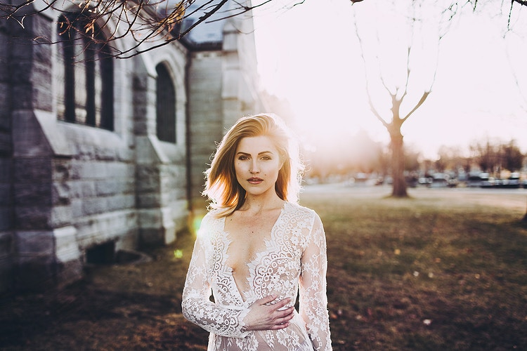 Golden hour sunset lace dress - Creative Portrait Photographer :: Portland, Maine - Savannah Daras
