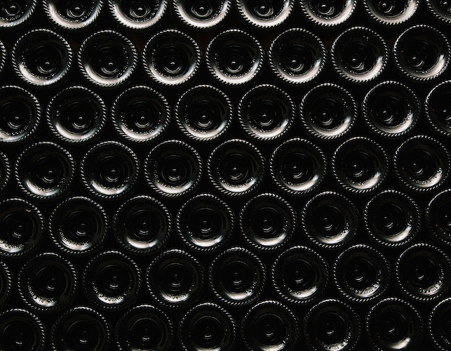 The Modern Face Of Ancient Greek Wines For Enroute - ALEX CRETEY SYSTERMANS