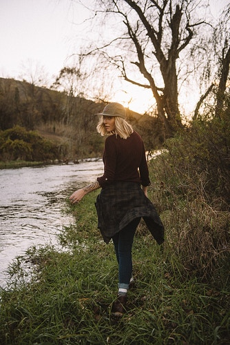 portrait model editorial lifestyle Emilie sunset fall stream - Editorial Fashion Portrait Photography Lehigh Valley Philadelphia | Tobias Hibbs