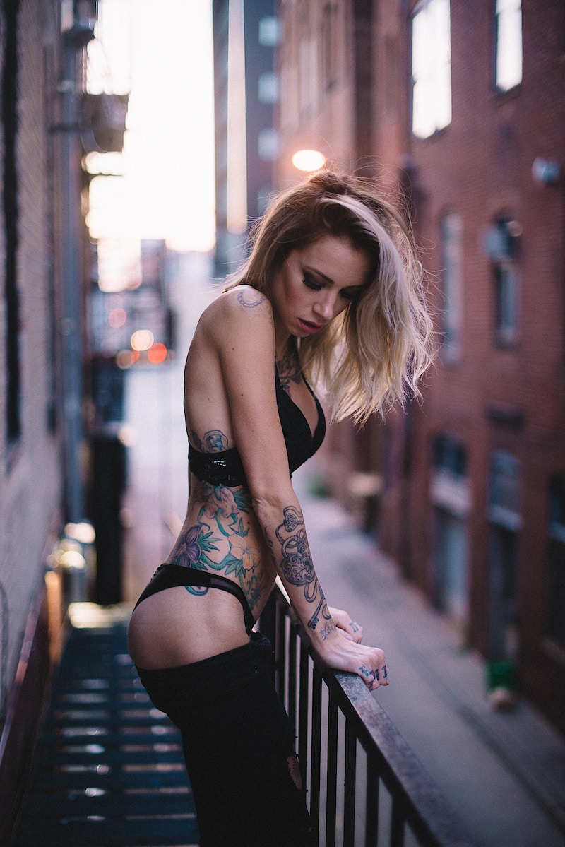 lingerie sunset alt tattoo model Jennifer Lynn confident sexy Tobias Hibbs THP fire escape - Editorial Fashion Portrait Photography Lehigh Valley Philadelphia | Tobias Hibbs