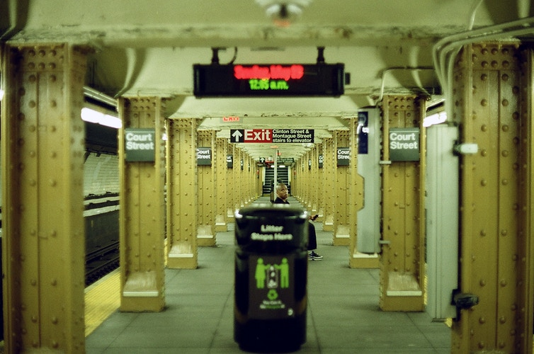 the subway in yellow - Victor Cohen