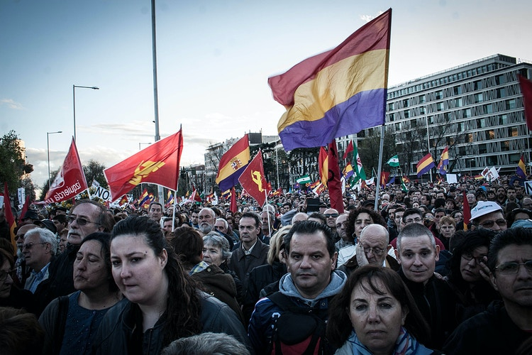 SPAIN. Colon square. People and spanish republican and communist flag, in Madrid, March 22, 2014 ©Victoria Herranz - VictoriaHerranz