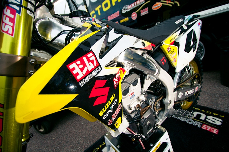 Yoshimura Suzuki Team Graphic Kit - Will Topete Photography & Design