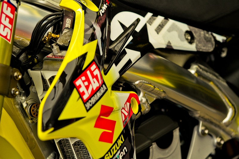Yoshimura Suzuki Military Graphic Kit - Will Topete Photography & Design