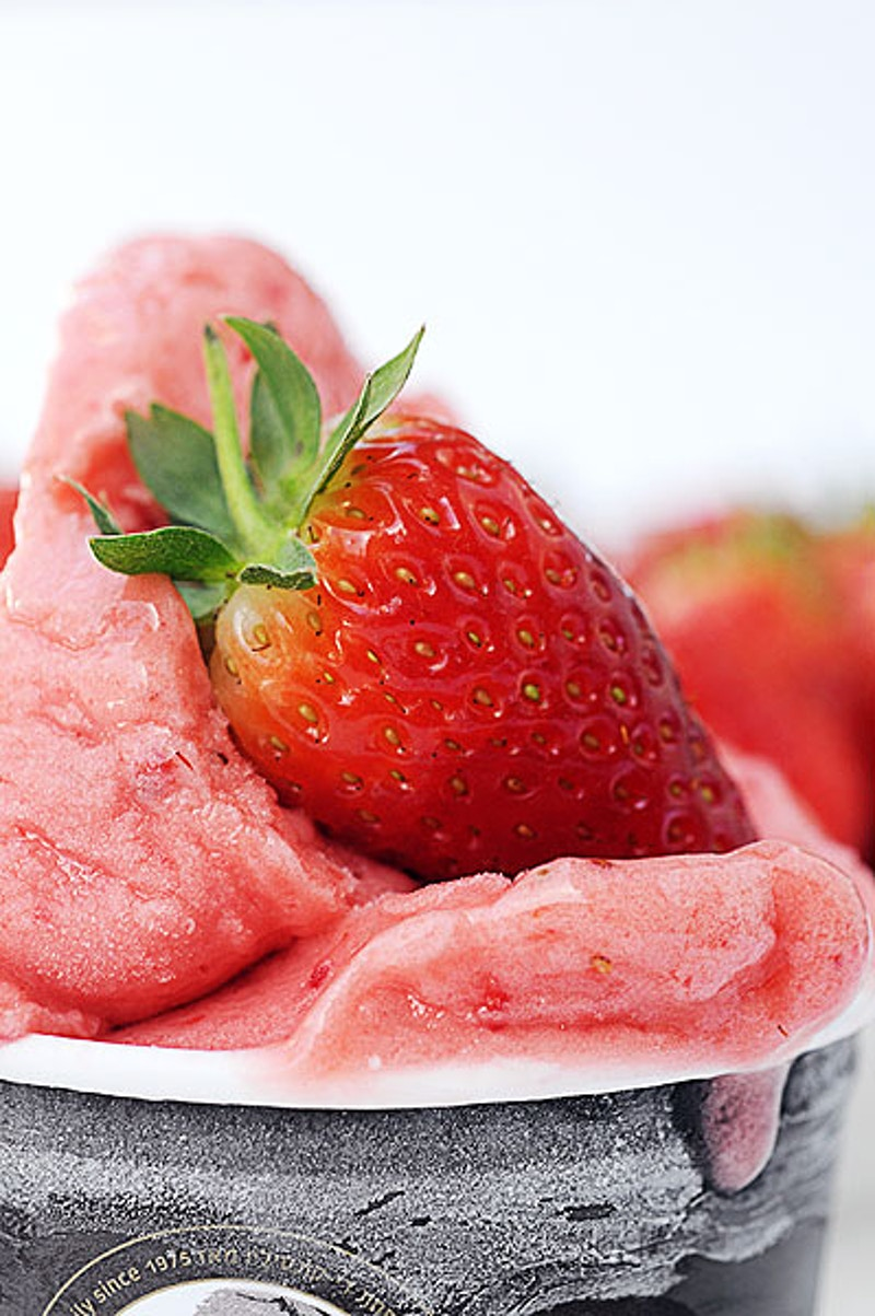 Strawberry Ice cream - YULA-DESIGNS