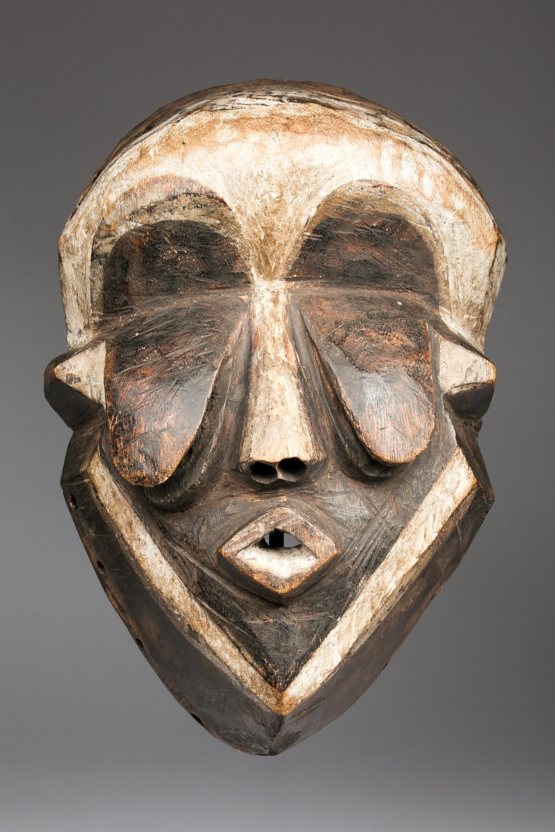 Galerie L&Z Arts - Wongo Pende mask - Tribal Art - Zajega Photo