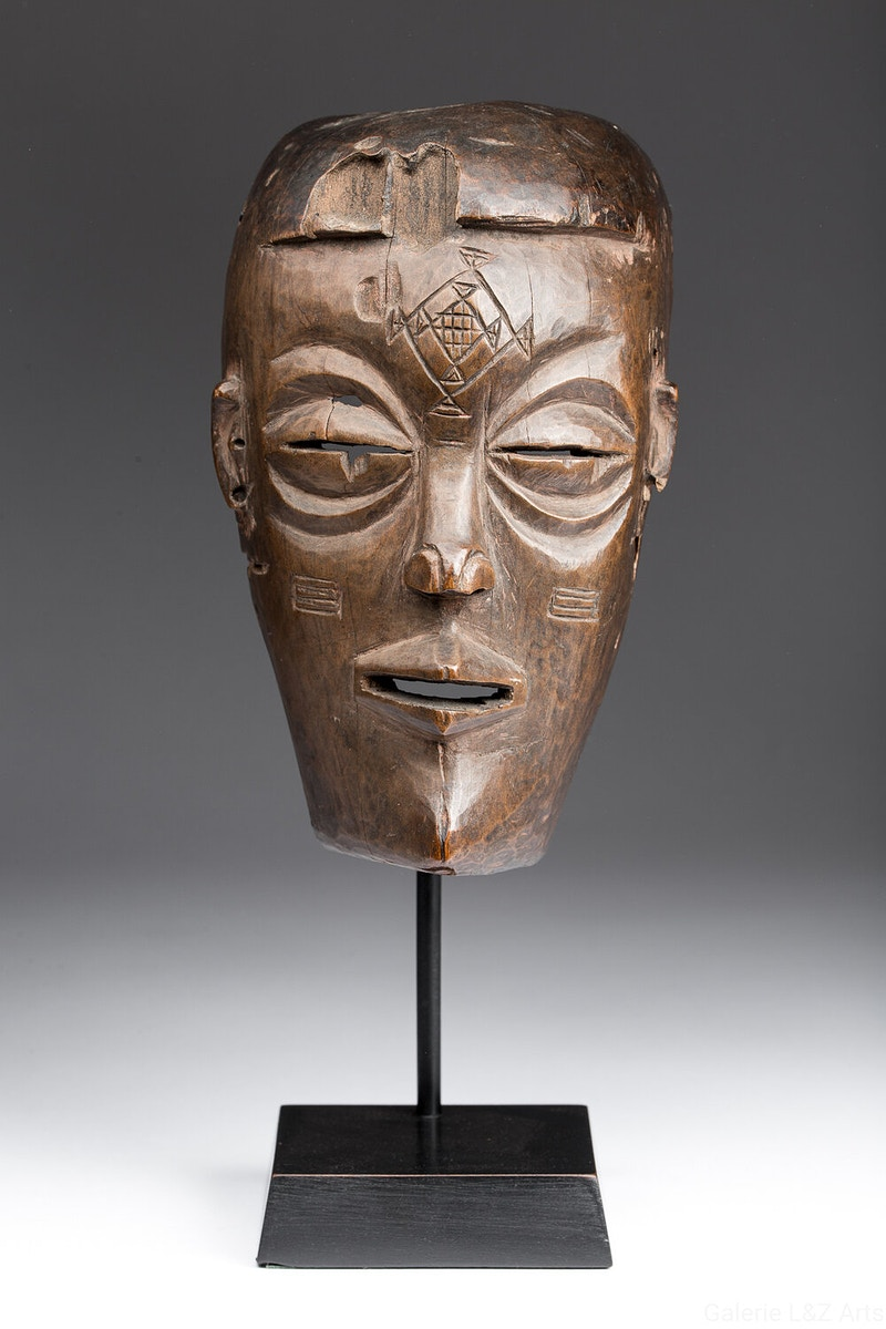 Galerie L&Z Arts - Chokwe Pwo mask - Tribal Art - Zajega Photo