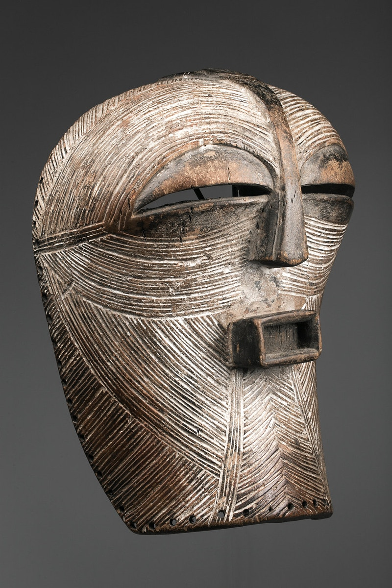 Galerie L&Z Arts - Luba Kifwebe mask - Tribal Art - Zajega Photo