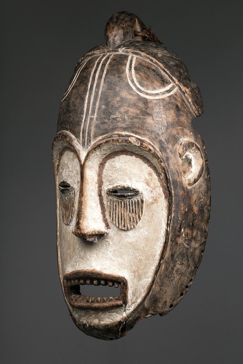 Galerie L&Z Arts - Fang Ngil mask - Tribal Art - Zajega Photo